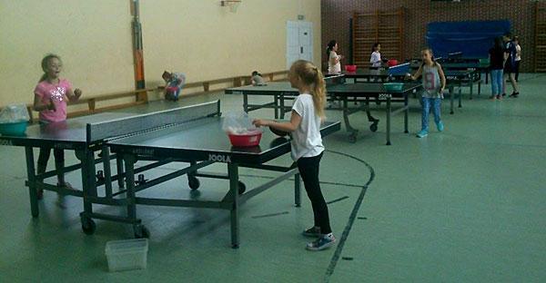 Mädchentraining - Trainingseinheit am Tisch